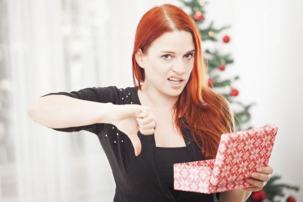 Подарки на новый год пожилому человеку