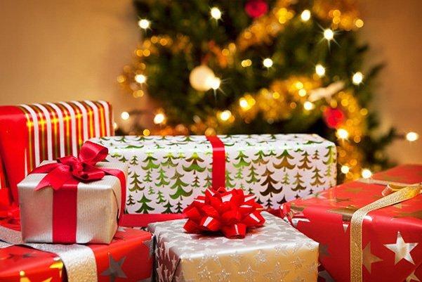 Смотреть Что подарить на новый год 2020: идеи подарков с фото видео
