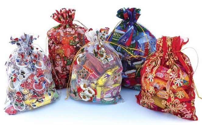 изображение подарки детям на Новый год от предприятия